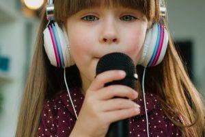 dzieci czesto interesuje nauka spiewu